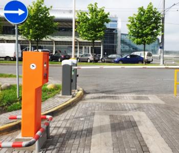 Автоматическая парковка аэропорта с распознаванием номеров в г. Львов