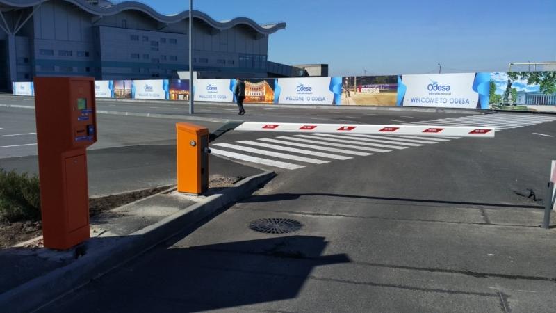 парковка в одессе, аэропорт одесса, парковка в одесском аэропорту