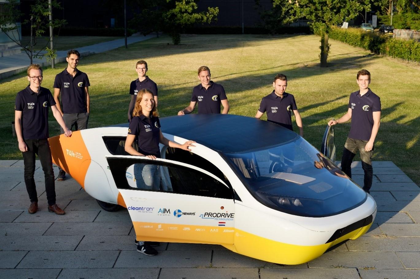 Команда Solar Team Eindhoven и их творение