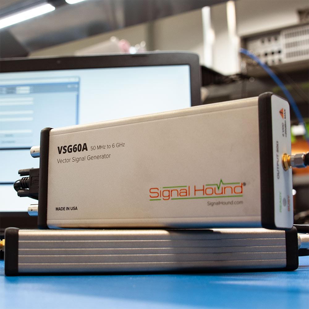Векторний генератор сигналів VSG60A