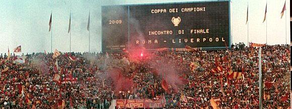 В 1968 году на стадионе английского клуба «Ковентри» появилось первое электромеханическое табло на лампах накаливания
