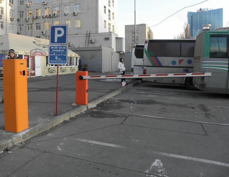 Полуавтоматическая парковочная система для автостанций