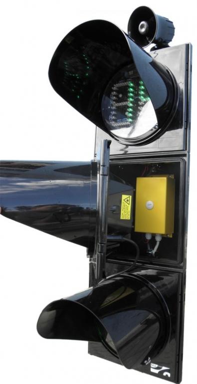 Пешеходный светофор с кнопкой производства СЭА