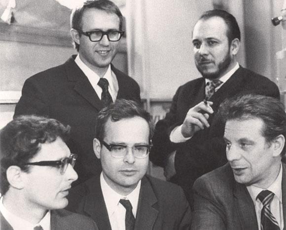 выдающийся советский физик, лауреат Ленинской премии, а позднее и Нобелевской премии, Жорес Иванович Алферов